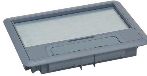 Крышка Legrand 088000 для напольной коробки пластик стандартное исполнение 8/12 мод.