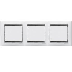 Рамка Legrand 770493 Valena 3 поста горизонтальная, IP20 (белая/серебряный штрих)