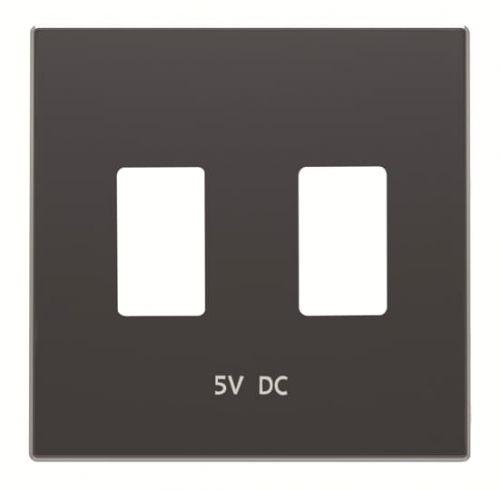 Накладка ABB 2CLA858530A1501 для механизма 2хUSB зарядного устройства, серия SKY, цвет чёрный бархат накладка abb 2cla851810a1501 для 1 го суппорта разъёма типа 2017 или 2018 со шторками и полем для надписи чёрный бархат