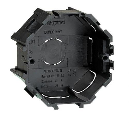 Коробка установочная Legrand 031301 встраиваемая 65мм