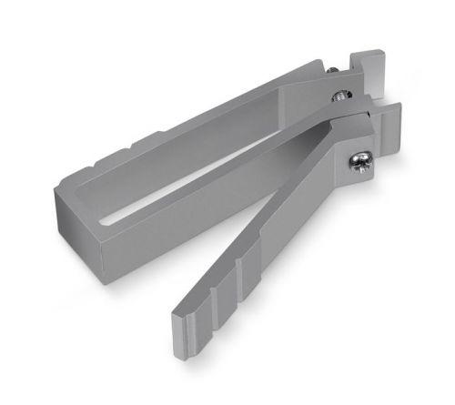 Инструмент Cabeus SQ-NT-19 для монтажа квадратных гаек в шкафы 19 дюймов шкафы в гостиную корпусные