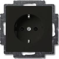 Розетка ABB 2013-0-5338 2CKA002013A5338 BASIC 55 с заземлением, со шторками, 16А, 250В, IP20 шато (чёрная)