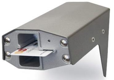 Считыватель PERCo PERCo-RMC01 банковских карт ( ISO7816 и/или с магнитной полосой) в металлическом вандалозащищенном корпусе.