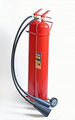 Огнетушитель ЯрПожИнвест ОУ-15 углекислотный. Передвижной, масса заряда 15 кг, вместимость корпуса 2х10 л